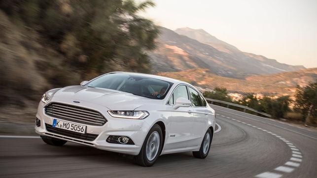 Ford-amplia-Mondeo-HEV-Hybrid_EDIIMA20170817_0131_19
